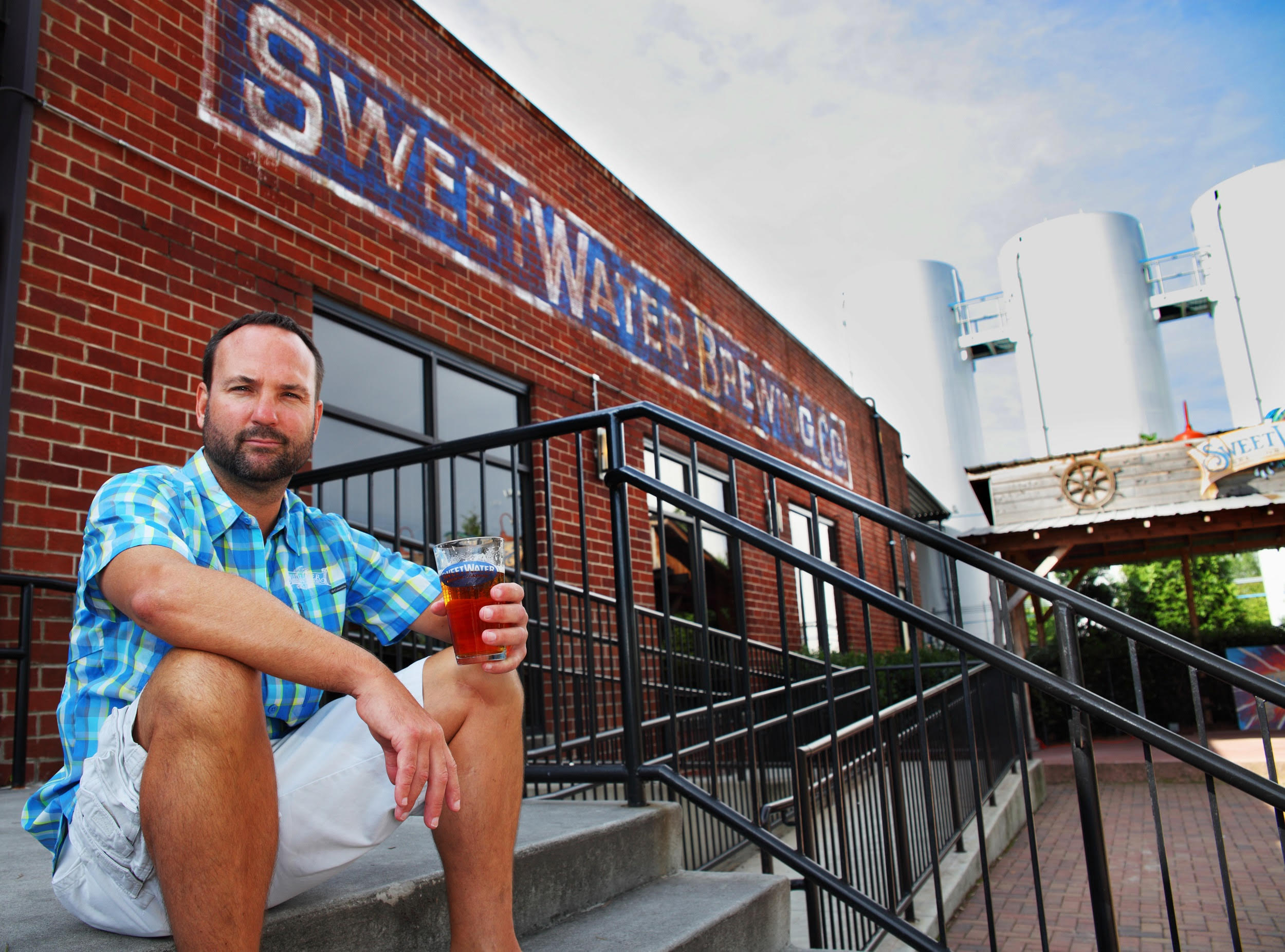 Sweetwater purchases pyramid brewing equipment plans to build second - At Last A Brewery Based In The East Will Expand Its Brewing Capabilities Out West Atlanta S Sweetwater Brewing Said It Plans To Build A Secondary
